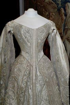 Coronation dress Alexandra Feodorovna, 1896.