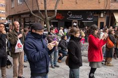 Cuentacuarenta- Rondas de Cuentos - El público que nos acompañó disfrutó de la música de la Snorkel Brass Band frente al Mesón Ávila. 09/03/2013