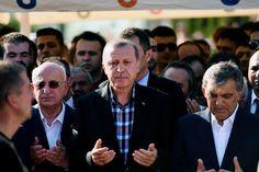 Na mislukte staatsgreep pleegt Erdogan zijn eigen coup  De Turkse president Recep Tayyip Erdogan pleegt zijn eigen coup na de mislukte staatsgreep, schrijft Afshin Ellian. De wankele Turkse rechtsstaat staat op omvallen.