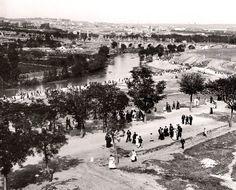 Peregrinaje hacia la ermita del Santo. 1906