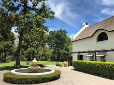 Fabulous day filled with #siteinspection of the top #weddingvenue s of #southafrica with the lovely @andreakellan - stay with us for more gems coming up!  #hochzeitsplanerkapstadt #fineweddingsontour #südafrika #stellenbosch #internationalwedding #internationalweddingplanner #luxuryweddingplanner #hochzeitsplaner #hochzeitsplanersüdafrika