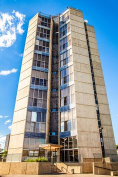 Vanier House at Michener Park is a high-rise apartment building that offers housing for student couples without families in 1 bedroom units with lofts or two bedroom units. #UAlberta
