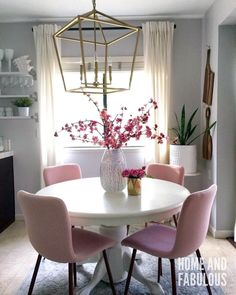 Best Retro home decor ideas - Super clever images. retro home decor ideas living spaces wonderful example ref 7910499674 posted on this day 20190324 Pink Home Decor, Retro Home Decor, Easy Home Decor, Modern Decor, Dining Room Design, Interior Design Living Room, Living Room Decor, Bedroom Decor, Room Interior