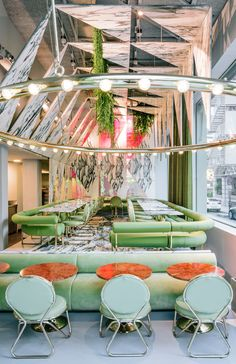 The Restaurant Madrid Romola has recently opened. Andrés Jaque completes this café restaurant in a m Modern Restaurant, Restaurant Madrid, Design Bar Restaurant, Restaurant Ideas, Industrial Restaurant, Cafe Interior, Best Interior, Modern Interior Design, Interior And Exterior