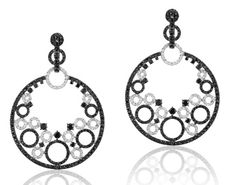 Andreoli black and white diamond circle earrings in 18k white gold @andreoliusa #diamonds #whitegold
