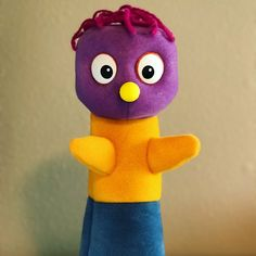 New commission. This simple glove puppet moves extremely well. Custom Puppets, Glove Puppets, Etsy Seller, Simple, Creative, Crafts, Handmade, Manualidades, Craft