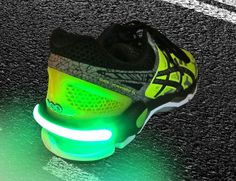 The FireFly Safety Running and Biking Light Spurs provide super bright high intensity light that easily clip on to your shoe heel and allow you to be seen in the dark and stay safe.