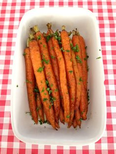 Carrot from the oven - vegetable recipes - recepten - Heerlijke meal Vegetable Recipes, Vegetarian Recipes, Healthy Recipes, Fast Healthy Meals, Quick Easy Meals, Clean Recipes, Cooking Recipes, Bio Food, Oven Vegetables
