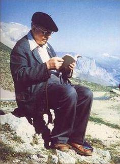Olivier Messiaen à La BNF-site Mitterrand-Paris. Exposition 17 janvier -  5 mars 2017. entrée gratuite. Ne pas manquer. (Catherine Grenier) Photo 7 : lecture sur le sommet du Galibier ...