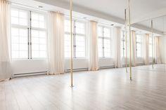 Yoga Vieux Montreal in Montreal, QC Home Ballet Studio, Home Studio, Yoga Studio Interior, Dance Studio Design, Ballet Room, Workout Room Home, Dance Rooms, Mediterranean Home Decor, Dream Studio