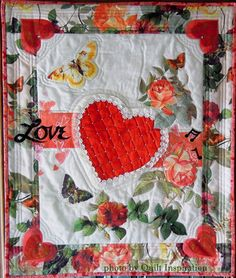 Hearts and Flowers by Bonita McFadden, 2014 Pacific International Quilt Festival.  Photo by Quilt Inspiration