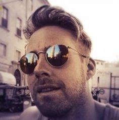 Round Sunglasses, Mirrored Sunglasses, Mens Sunglasses, Ricky Wilson, Kaiser Chiefs, Crushes, People, Round Frame Sunglasses, Men's Sunglasses