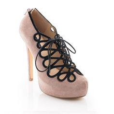 20`s inspired pumps. Love