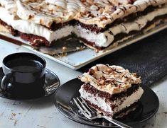 The world's best chocolate cake - Franciska Beautiful World Pudding Desserts, No Bake Desserts, Yummy Drinks, Yummy Food, Cake Recipes, Dessert Recipes, Norwegian Food, Sweets Cake, Bread Cake