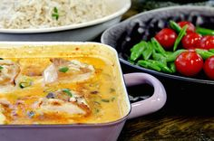 Tante Torhilds kyllingform Cheeseburger Chowder, Thai Red Curry, Food And Drink, Soup, Chicken, Baking, Eat, Ethnic Recipes, Bakken