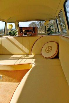 karavan 25 Vintage VW Combi for Awesome Camper Van - vintagetopia Vw T1 Camper, Kombi Motorhome, Volkswagen Bus Interior, Volkswagen Golf, Campers, Vintage Volkswagen Bus, Kombi Interior, Pretty Cars, Cute Cars