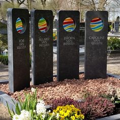 grafmonument met vier grafstenen voor jong gezin