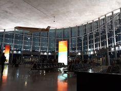 DONDE Y COMO: La terminal R del aeropuerto de Valencia