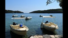 Hotel Akropolis in Sivota, enjoy cheap, but nevertheless comfortable holidays in Greece. Just to the beach. Rent a boat - special rates for hotel guests. Greece Holiday, Hotel Guest, Beach Bars, Aerial View, Outdoor Decor, Acropolis