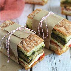 14 Genius Picnic Hacks for the Ultimate Al Fresco Lunch Picnic Foods, Picnic Recipes, Picnic Ideas, Fresco, Mason Jar Cheesecake, Picnic Sandwiches, Seven Layer Dip, Chocolate Chip Recipes, Chocolate Chips