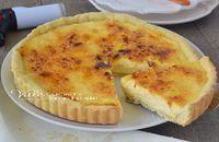 Crostata alla crema catalana una ricetta dolce favolosa, con tre consistenze diverse, gustata fredda è un dolce che gradiranno tutti