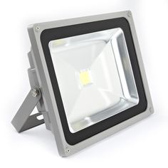 Light up you back yard with this high quality floodlight.