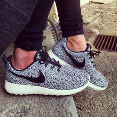 NIKE ROSHE RUN SPECKLE--her ankles are weird lookin lol but I lke those shoes
