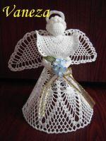 Velký anděl Crochet Tree, Crochet Angels, Crochet Hats, Angel Protector, Angel Crafts, Christmas Crafts, Christmas Ornaments, Filet Crochet, Tree Toppers