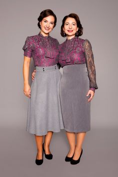 1930/40s inspired lace on jersey shirts with bow collar, half circle skirt and pencil skirt by MARLENES TOECHTER
