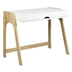 Pracovní stůl Balcao zaujme atraktivním a funkčním designem díky odklápěcí desce, která nabízí velký úložný prostor.