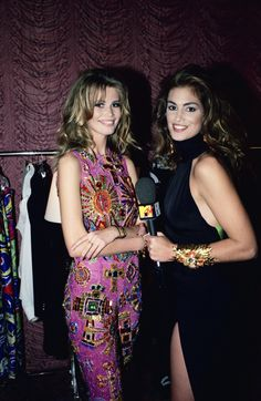 Claudia Schiffer going bold with Cindy Crawford...so funny how this is all back in style
