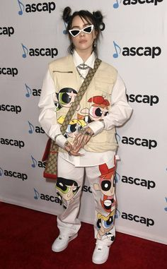 Sugar & Spice from Fashion Police Singer Billie Eilish showed up to the annual ASCAP Pop Music Awards at The Beverly Hilton Hotel wearing a Powerpuff Girls printed outfit. girl Sugar & Spice from Fashion Police Billie Eilish, Moda Converse, The Beverly, Beverly Hilton, Estilo Hippie, Celebs, Celebrities, Sugar And Spice, Powerpuff Girls
