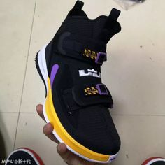Nike LeBron Soldier 13 Appears In Lakers Colors Lebron James, Zapatillas Nike Jordan, Nike Images, Air Max Sneakers, Sneakers Nike, Sneaker Bar, Shoe Deals, Nike Basketball Shoes, Nike Shoes Outlet