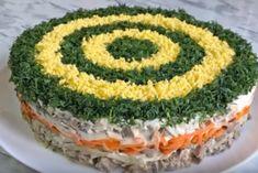 Праздничный салат «Восторг» Quick Recipes, Cooking Recipes, Food Decoration, Food Platters, Cooking Instructions, Russian Recipes, Diy Food, Food Styling, Food Art