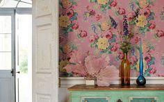 I LoVe pastels and I am totalling adoring the wallpaper and coral! Xxx