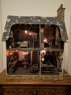 Witch's Dollhouse scale made of 'The Arthur, Greenleaf ' Haunted Dollhouse, Haunted Dolls, Dollhouse Dolls, Dollhouse Miniatures, Dollhouse Ideas, Miniature Rooms, Miniature Crafts, Miniature Houses, Halloween Village
