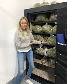 Medical Marijuana, Babylon The Great, Billy Ray, Stoner Art, Puff And Pass, Applis Photo, Buy Weed Online, Bad Girl Aesthetic, Stoner Girl
