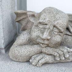 Mauerwächter Gargoyle von Fiona Jane Scott bei www. Business Help, Garden Sculpture, Film, English Artists, Sculptures, Movie, Films, Film Stock, Film Books