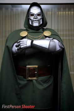 Character: Doctor Doom (Dr. Victor Von Doom) / From: MARVEL Comics 'The Fantastic Four' / Cosplayer: Unknown