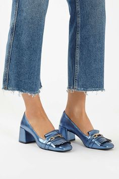 Give loafers a luxe update in these cool blue metallic leather loafers with metal detailing and an on-trend tassel front. Pretty Shoes, Beautiful Shoes, Cute Shoes, Shoe Boots, Shoes Sandals, Mocassins Cuir, Heeled Loafers, Leather Loafers, Women's Oxfords