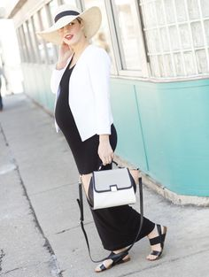 Head over to the blog to see the amazing pieces I scored on my latest @searsstyle shopping spree, and find out which celebrity inspired the final look. [via www.thechicagolifeblog.com] maternity style | pregnancy fashion | style the bump | maternity dress | #searsstylefind