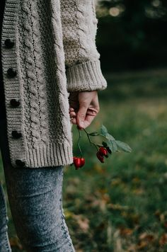 Digital Photography Tips Autumn Photography, Children Photography, Digital Photography, Photography Tips, Portrait Photography, Lexa Y Clarke, Sustainable Textiles, Autumn Cozy, Autumn Aesthetic