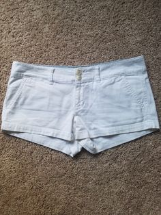 62dab81bce6 American Eagle size 4 shorts Eagle