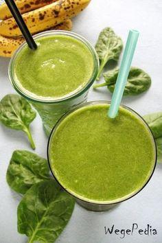 Zielony koktajl zeszpinakiem, bananem ikiwi – dla dzieci inietylko Homemade Protein Shakes, Easy Protein Shakes, Protein Shake Recipes, Weight Loss Smoothies, Healthy Smoothies, Healthy Drinks, Healthy Eating, Recipe Images, Bon Appetit