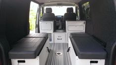 Interesting putting the cabinets behind the front seats http://www.vwt4forum.co.uk/showthread.php?t=178308