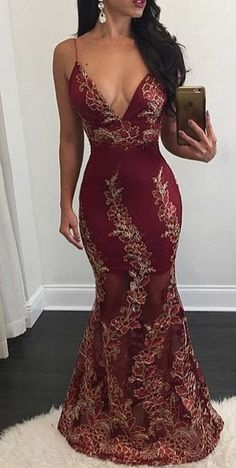 Burgundy Mermaid Prom Dresses Appliques Sexy Backless V-Neck Sheer Evening Gowns