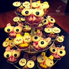 Owl Theme Cupcakes For a Baby Shower