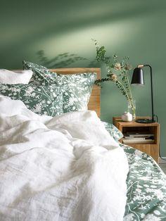 Micasa Schlafzimmer mit Perkal-Bettwäsche MORENA & Bett LAMBERT Bed, Design, Furniture, Home Decor, Pillows, Bed Room, Garten, Decoration Home, Stream Bed