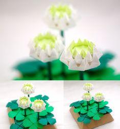 しろつめくさ http://naka-origami.cocolog-nifty.com/blog/2018/04/post-bcd1.html . 、折り紙教室の講習作品から、林弘美氏の「しろつめくさ」をテーブルフラワー風にアレンジした作品です。 詳細はブログをみてね。 折り紙の楽しさを感じていただけたら、ぜひ折り紙教室へ。 . #origami #origamiart #origamiwork #paper #fold #craft #handmade #origamiflower #flower #trifoliumrepens #clover #hiromihayashi #折り紙 #おりがみ #折り紙作品 #折り紙アート #ペーパー #手作り #ハンドメイド #紙 #クラフト #折り紙フラワー #花の折り紙 #白詰草 #シロツメクサ #クローバー #中一隆 #薔薇と折り紙の日々 #林弘美