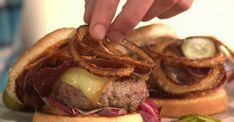 Le cheeseburger savoyard : le burger parfait pour l'hiver - La Recette
